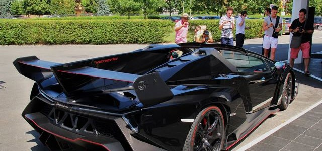 Blacked-out Veneno Roadster